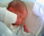 Max im Krankenhaus kurz nach der Geburt